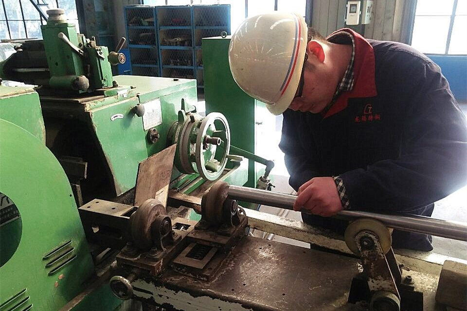 Fine Grinding+ Thread Rolling Process-Produce high strength anchor bolt (Decription & Vedio)