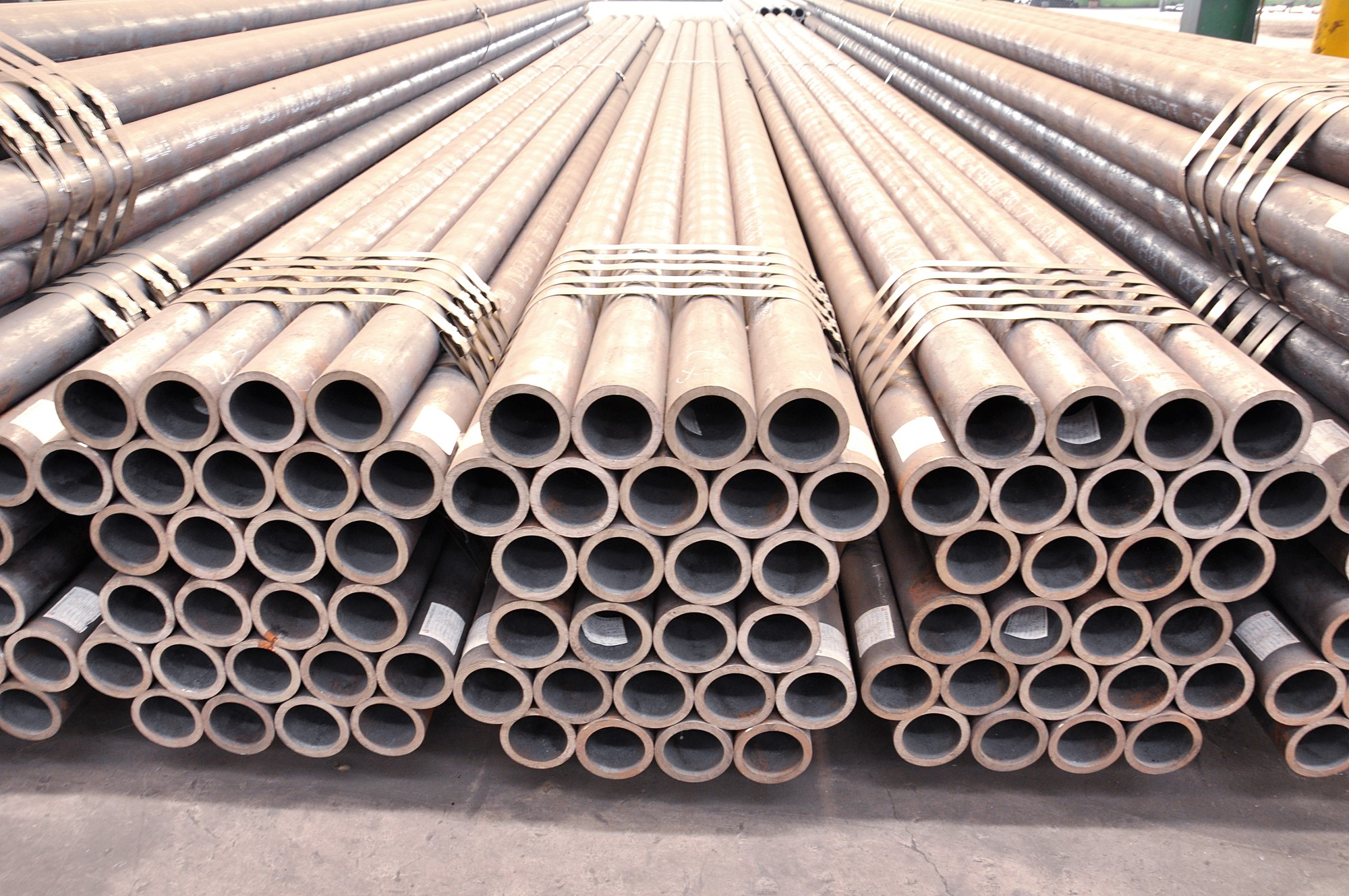Grade Q345 Liquid Delivery Seamless Steel Pipes Introduction